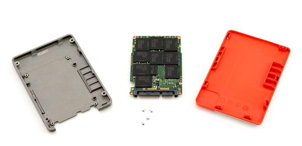 Samsung 470 Series SSD taken apart