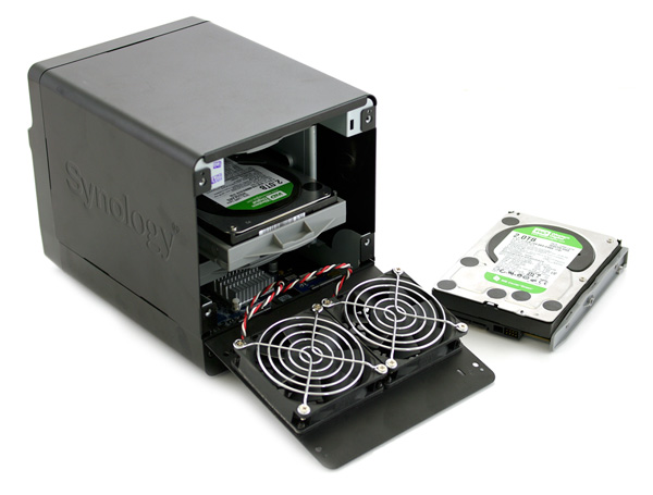 Synology DiskStation DS411+ open