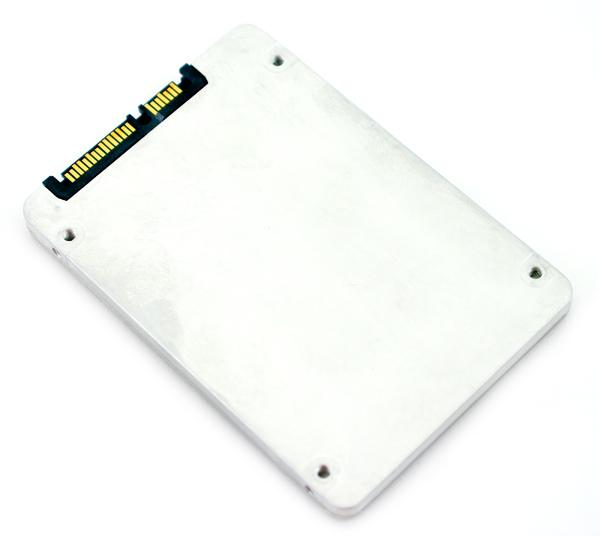 Intel SSD 320 bottom