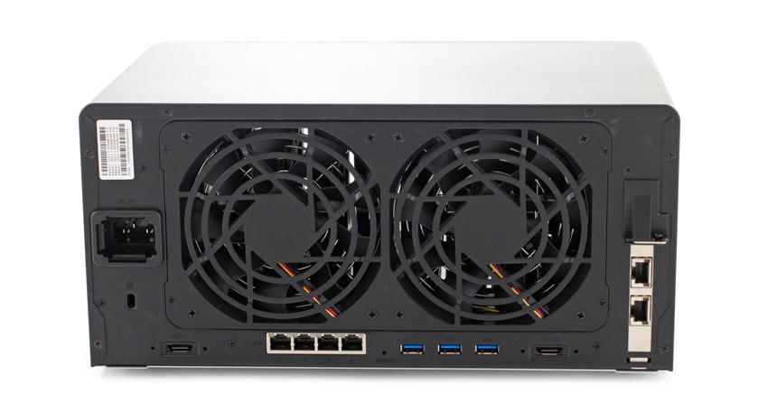 Synology DS1819+ Rear