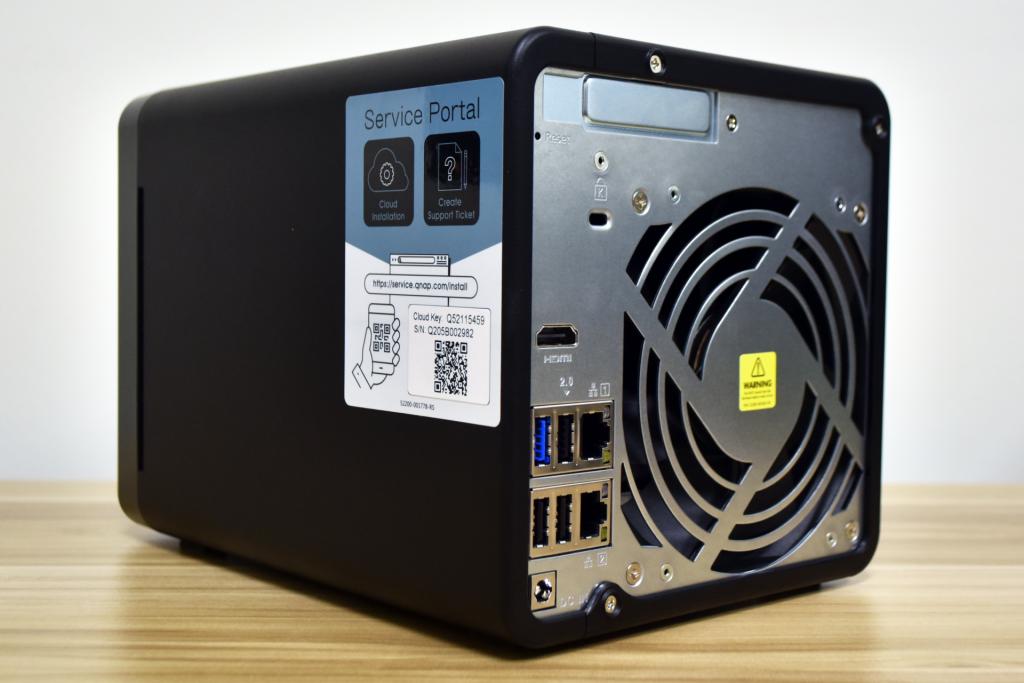 QNAP-ts453d-back-1024x683.png
