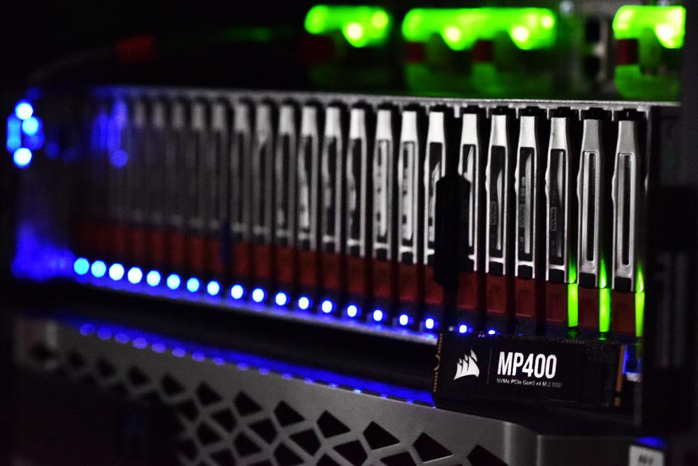 Corsair MP400 SSD Lifestyle Glowing