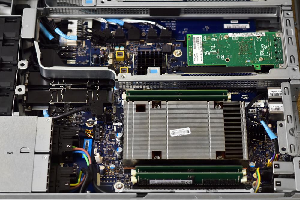 HP ZR4 closeup