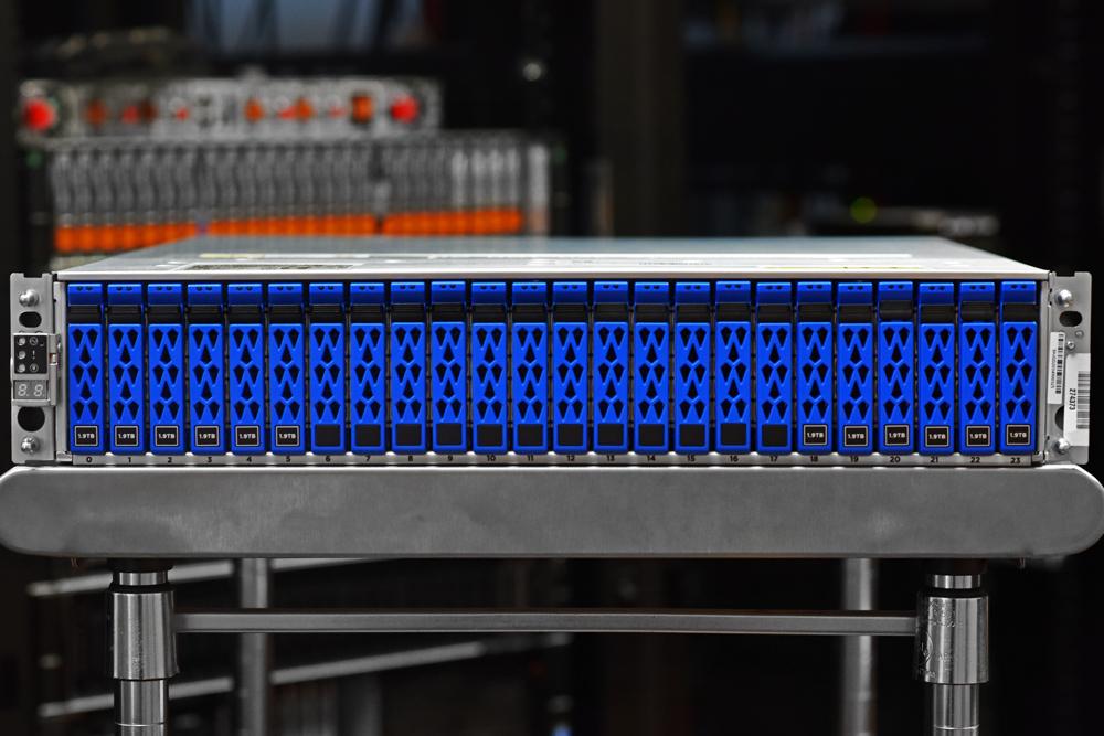 NetApp AFF A250 drive bays