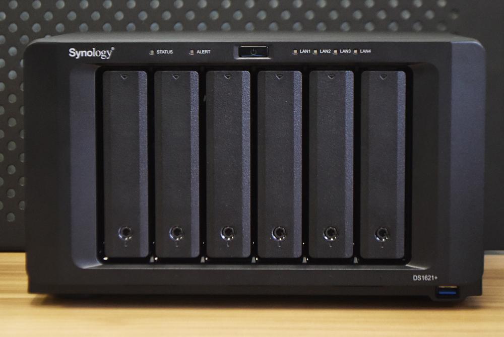 Synology DiskStation DS1621+ front