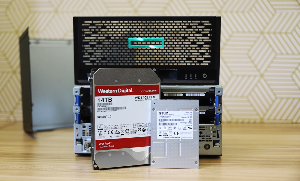 HPE ProLiant Gen10 MicroServer drives