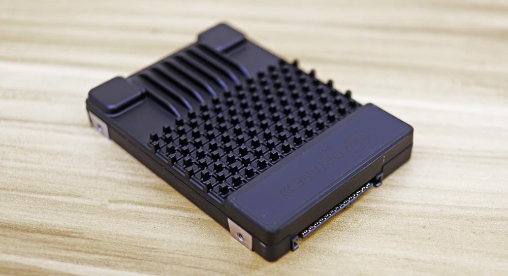 intel p5800x design