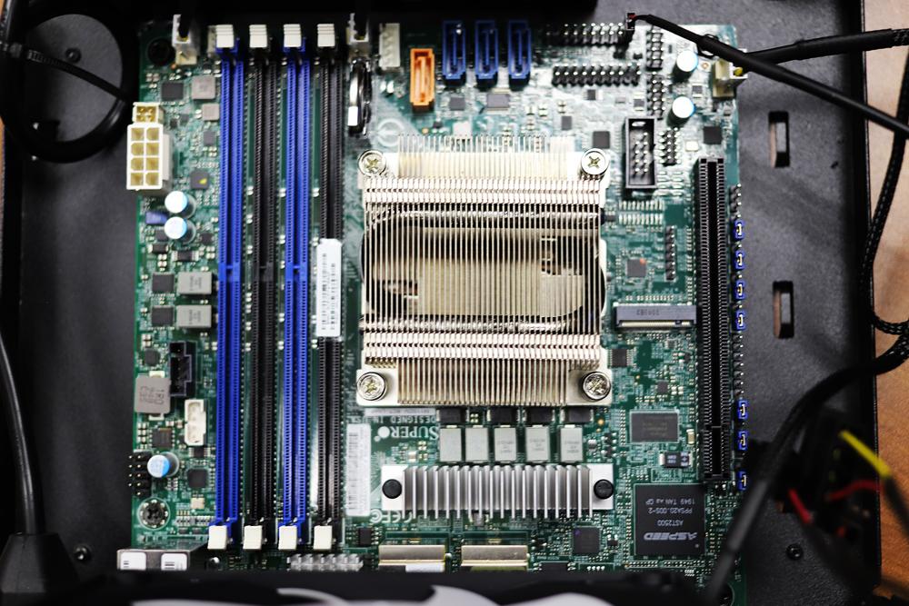 SUPERMICRO MBD-M11SDV-8CT-LN4F-O Mini ITX Server Motherboard