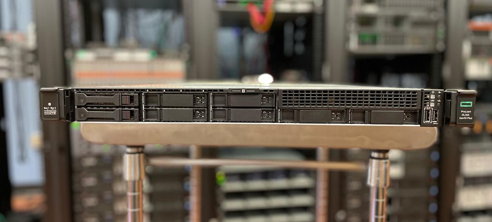 HPE ProLiant DL365 Gen10 Plus front bays