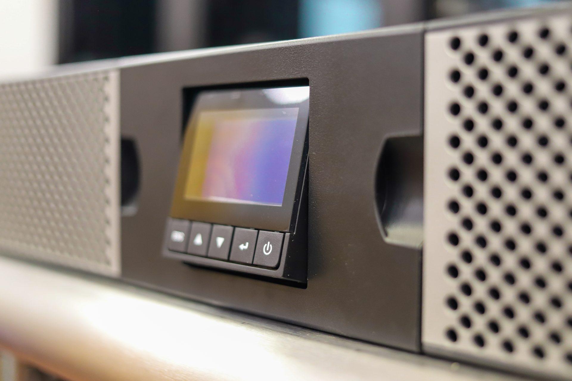 Eaton 9PX Lithium panel