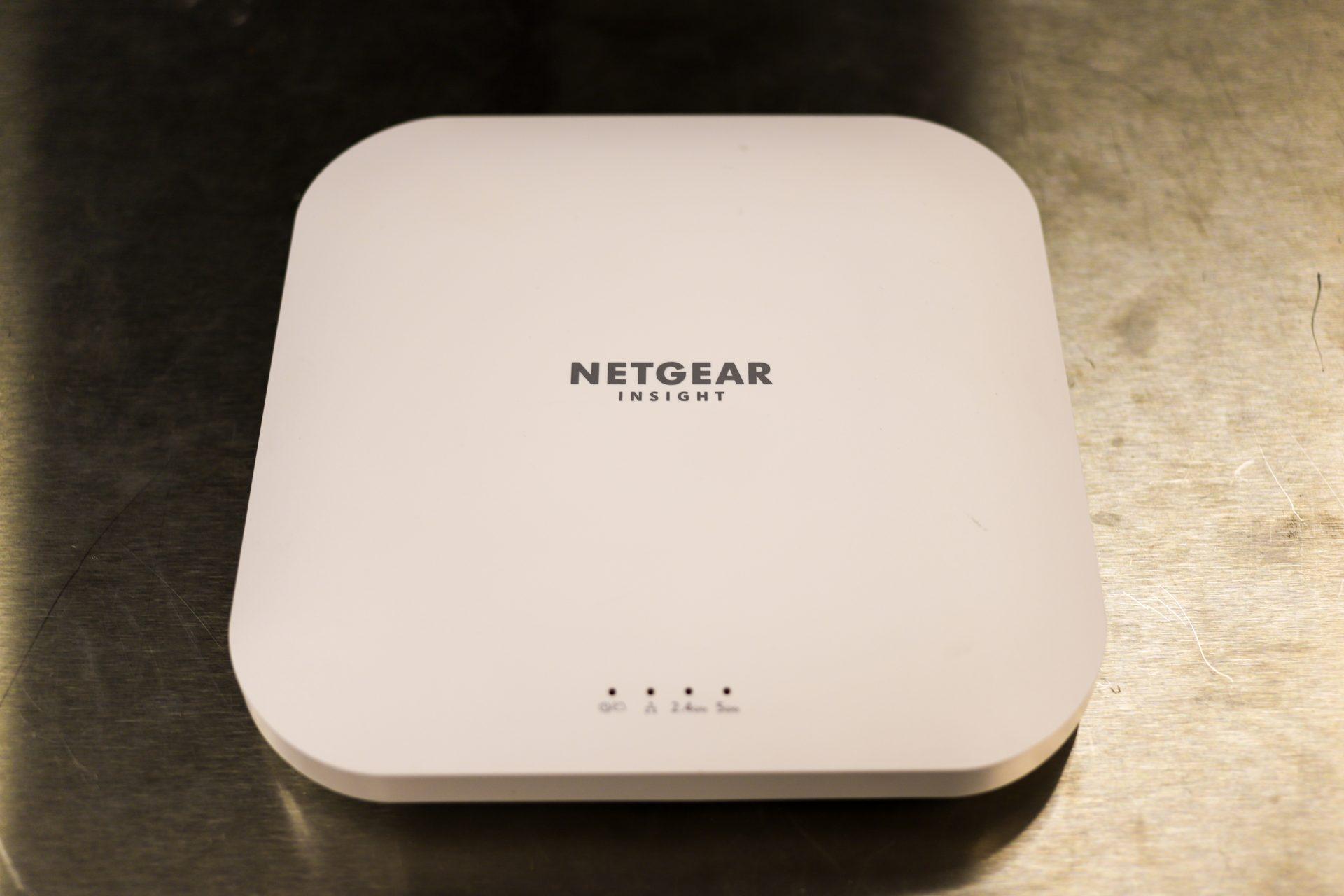 NETGEAR WAX620 top